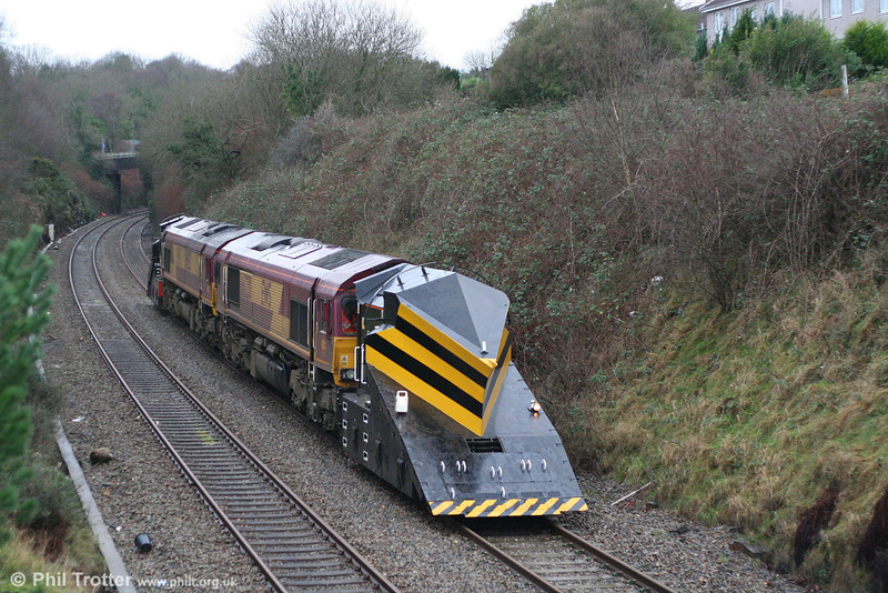 66220 and 66152 at Morriston, Swansea District Line with 2Z99, 0900 Margam - Llanelli - Margam snowplough test train on 13th January 2008.