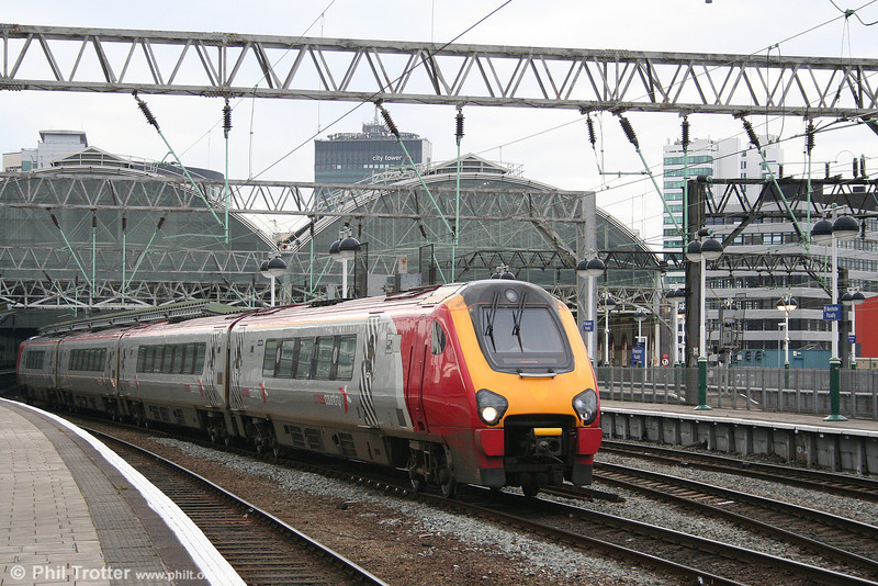XC 220032 leaves Manchester Piccadilly forming the 1554 service to Gatwick Airport on 17th March 2008.
