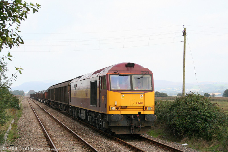 Engineering work meant that almost the only thing to move west of Swansea on 28th September was the afternoon Trostre and return. Recently reinstated 60087 'Barry Needham' approaches Llangennech with 6B12, 1423 Margam to Trostre on 28th September 2008.