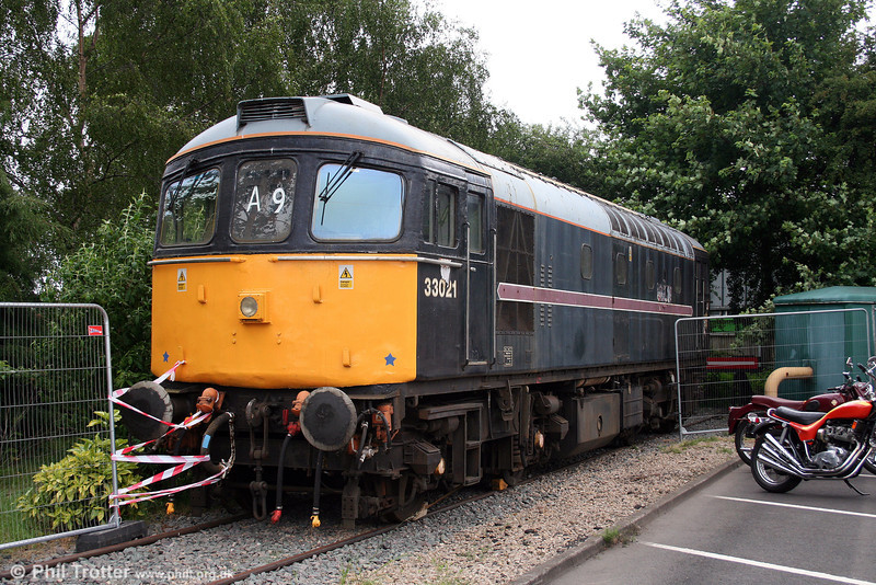 33021, still carrying Fragonset livery, at Tyseley on 28th June 2008.