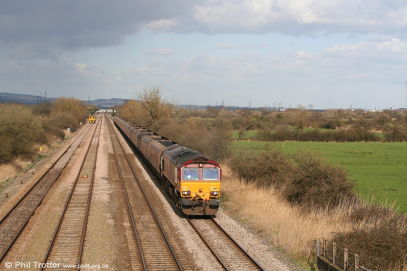 66075 at Coedkernew with 6F57, 1630 Newport Docks to Aberthaw Power Station on 22nd March 2008.