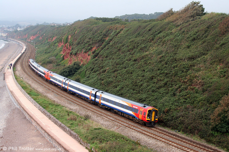 159012 leads the 1001 Paignton to London Waterloo past Langstone Rock on 30th August 2008.