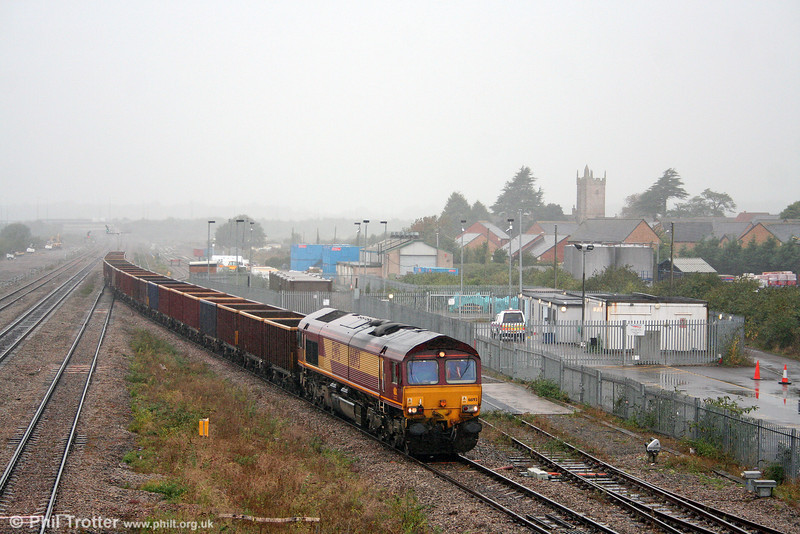 66193 at Severn Tunnel Junction with 6Z35, 1242 Moreton-on-Lugg to Peterborough West Yard on 4th October 2008.