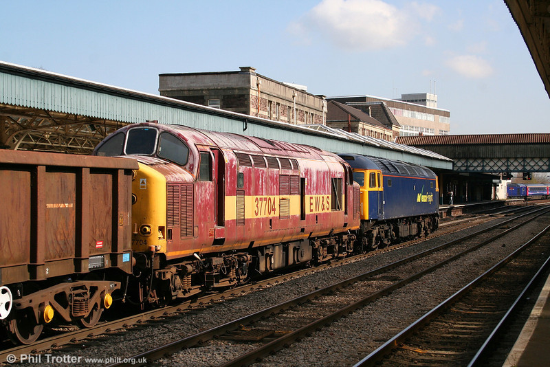 A final look at 37704 in 6Z71, 1045 Cardiff Tidal to Stockton hauled by 57005 on 15th April 2008.