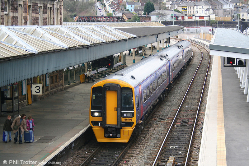 FGW's only 'proper' three car class 158. 158798 calls at Newport with the 1130 Cardiff Central to Portsmouth Harbour on 24th March 2008.