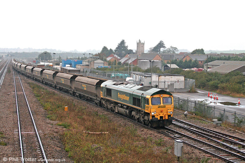66558 passes Severn Tunnel Junction with coal empties for Portbury on 18th October 2008.