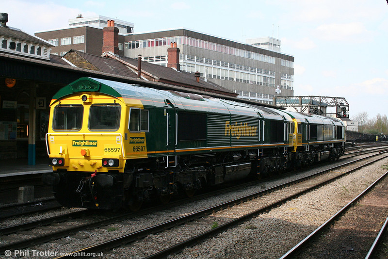 A view of brand new 66596 working with 66597 as 0Z26 Newport Docks to Crewe Basford Hall on 16th April 2008.