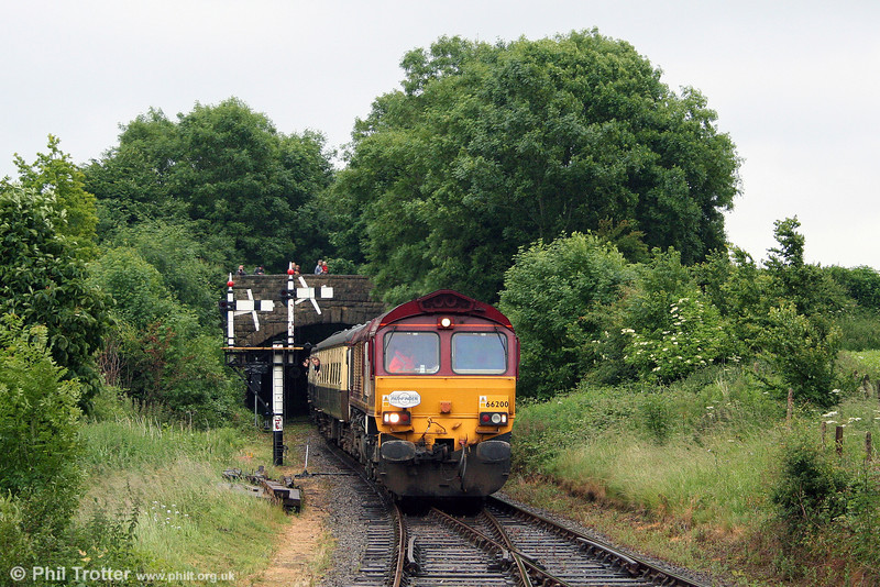 66200 'Railway Heritage Committee' arrives at Cranmore with 1Z16, 1530 from Westbury on 21st June 2008.