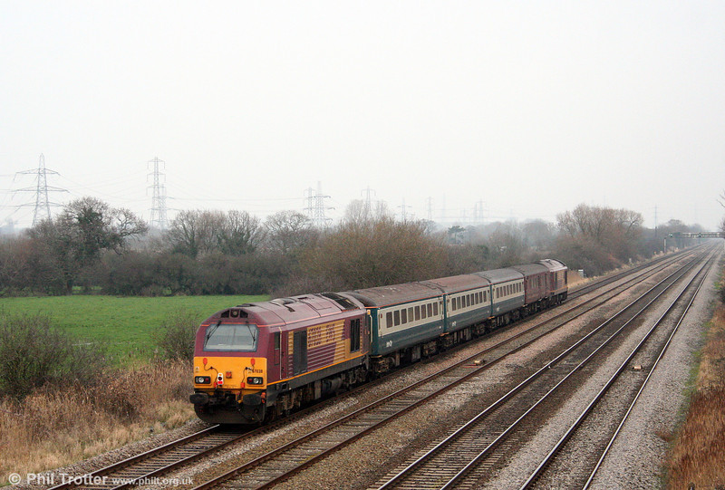 67028 brings up the rear of 2C79, 1400 Cardiff Central to Taunton at Coedkernew on 30th December 2008.