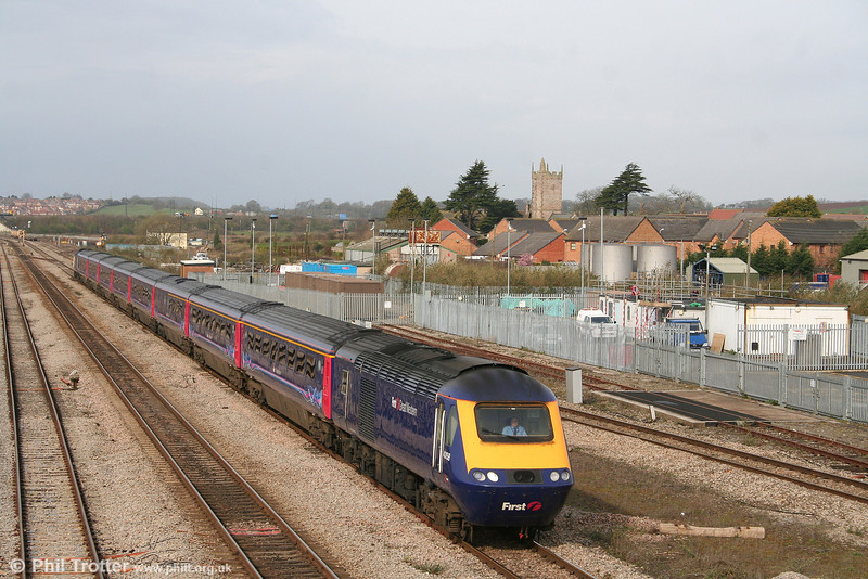 43158 takes the Gloucester line at Severn Tunnel Junction with the diverted 1L34, 0729 Swansea to London Paddington on 29th March 2008.