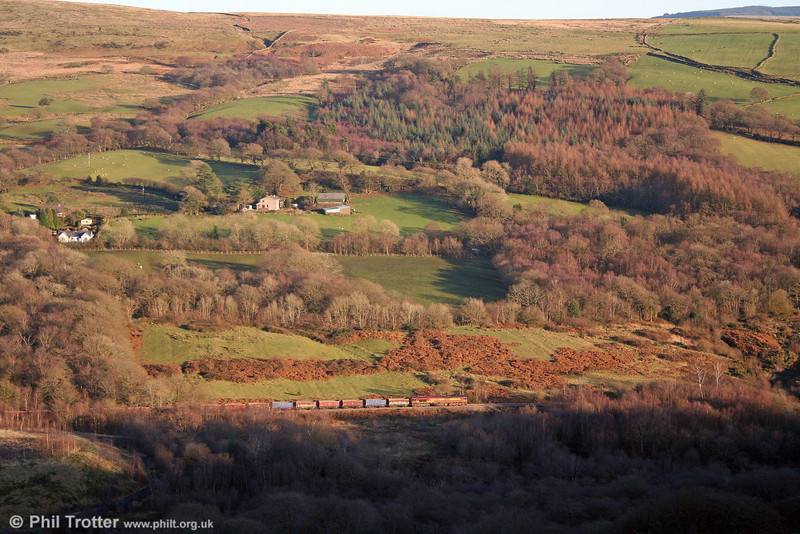 66086 is seen proceeding along the Dulais Valley with 6F81, 1520 Onllwyn to Margam on 6th December 2008.