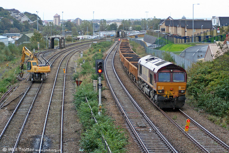 66186 waits on an engineers' train at Swansea Loop East on 19th October 2008.