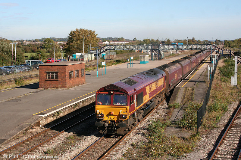 66128 at Severn Tunnel Junction heading 6B86, 1300 Portbury to Aberthaw on 11th October 2008.