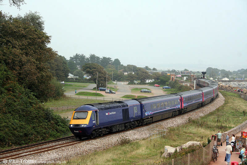 43122 passes Langstone Rock, Dawlish Warren at the head of 1C80, 1006 London Paddington to Penzance on 30th August 2008.
