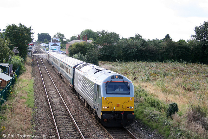 WSMR 67014 'Thomas Telford' passes through Gobowen with 1J80, 0645 London Marylebone to Wrexham on 2nd September 2008.