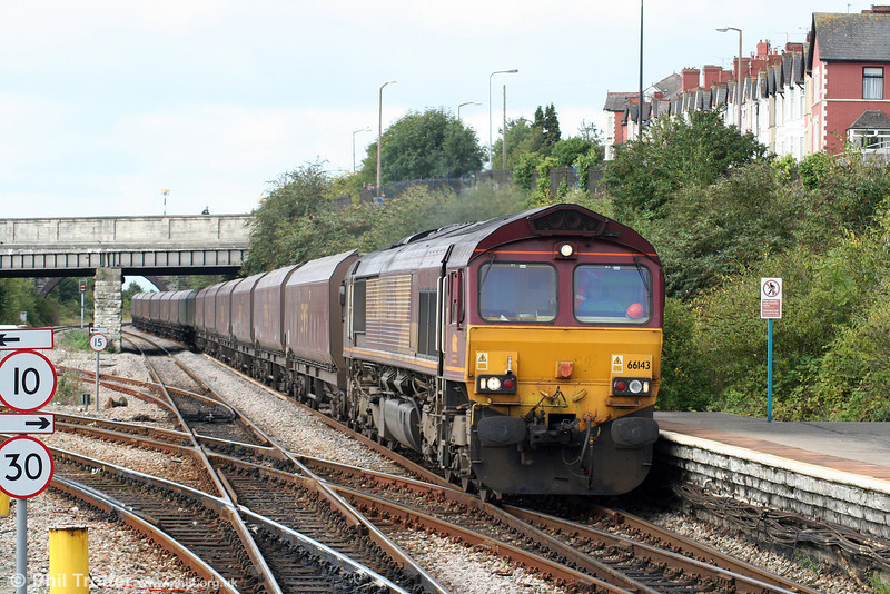 66143 passes Barry with 4C55, 0908 Aberthaw Power Station to Avonmouth on 5th September 2009.