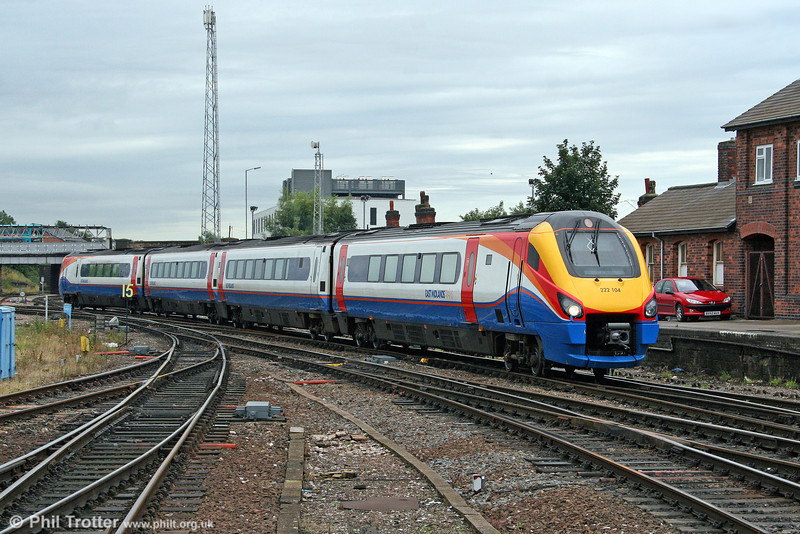 Former Hull Trains 222104 arrives at Derby forming the 0725 from London St. Pancras on 7th August 2009.