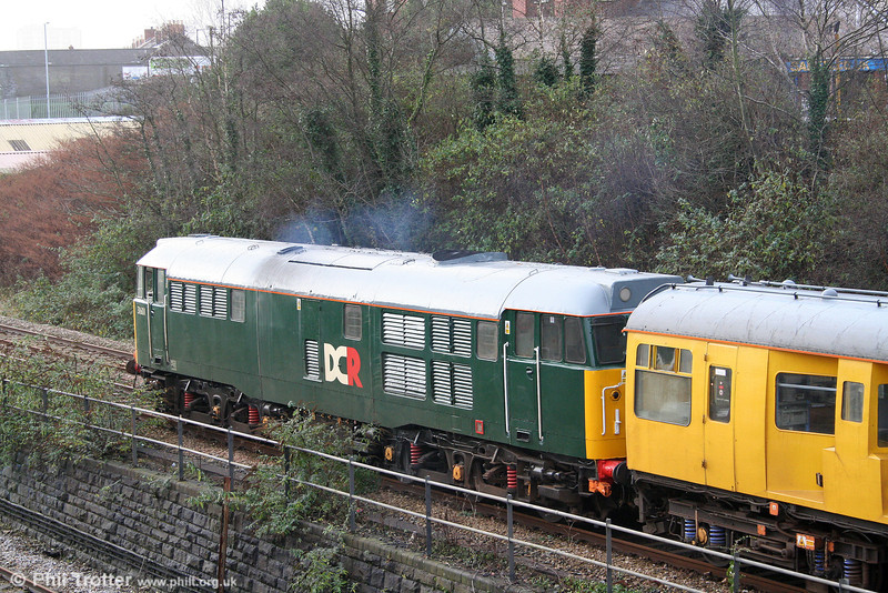31601 pauses at signal PT362 (Swansea Loop East) with test train 2Z08 on 9th December 2009. This is the locomotive which previously carried Wessex 'pink' livery, over which green is a definite improvement!