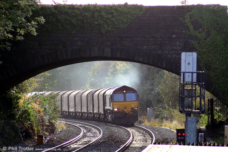 66213 approaches Pontyclun with 6V78, 0459 Wembley to Margam on 17th October 2009.