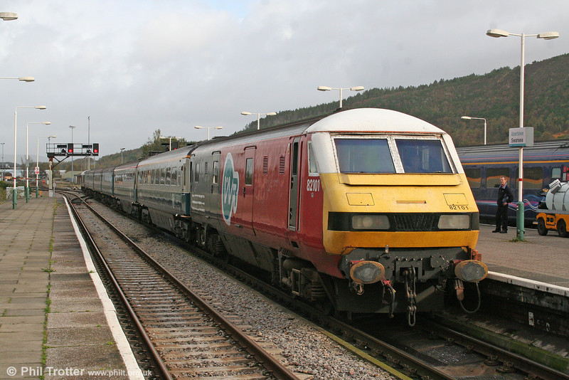 The first DVT into Swansea? Probably. 82101 with a ficticious 'WR' logo (Welsh Rail) - or Western Region perhaps! 25th October 2009.