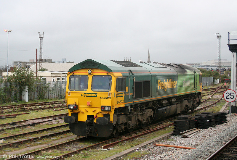 Freightliner 66522 seen from the 'normal' end at Bristol Kingsland Road stabling point on 9th April 2009.
