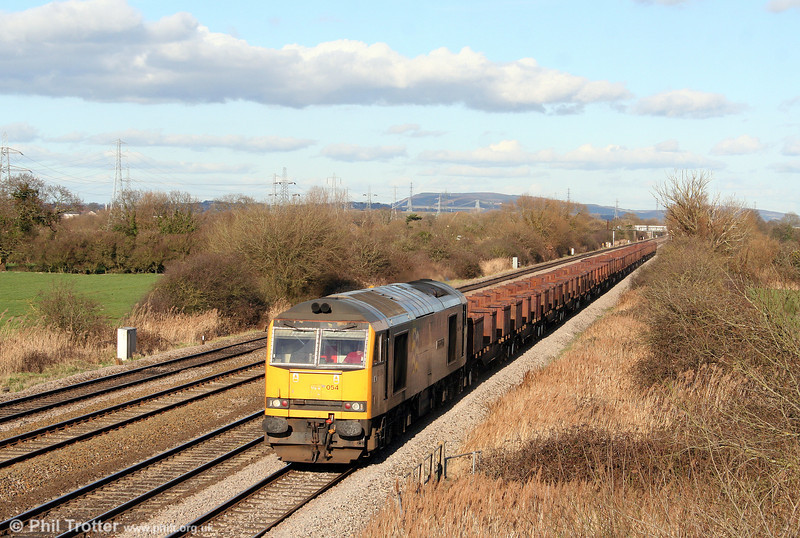Later on 1st March 2009, 60054 'Charles Babbage' returns through Coedkernew with 6H26, 1518 Llanwern to Margam empties..