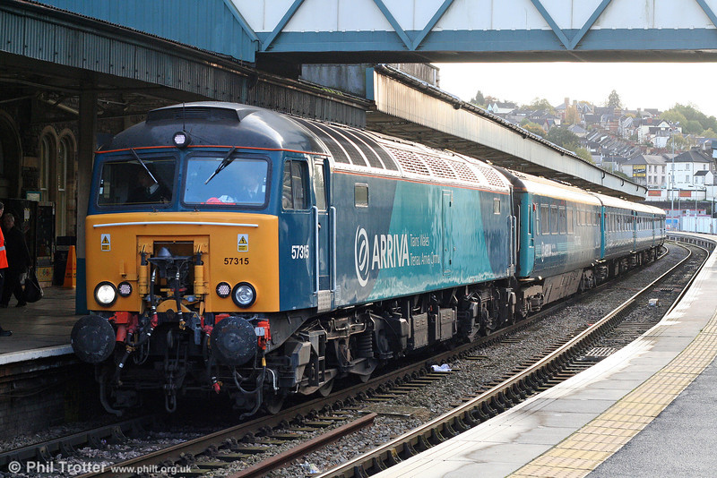 ATW 57315 pauses at Newport with 1W91, 1615 Cardiff Central to Holyhead on 22nd October 2009.