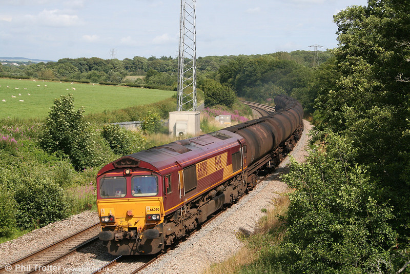 66090 passes Llangewydd with the diverted 6Z44, 1517 Aberthaw Power Station to Lindsey Oil Refinery on 18th July 2009. The diversion was to facilitate a reversal at Margam due to engineering work in the Vale of Glamorgan.