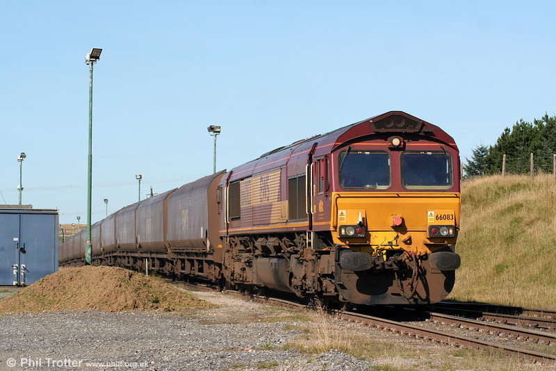 66083 departs from Cwmbargoed with 6C93, 1039 to Aberthaw Power Station on 12th September 2009.