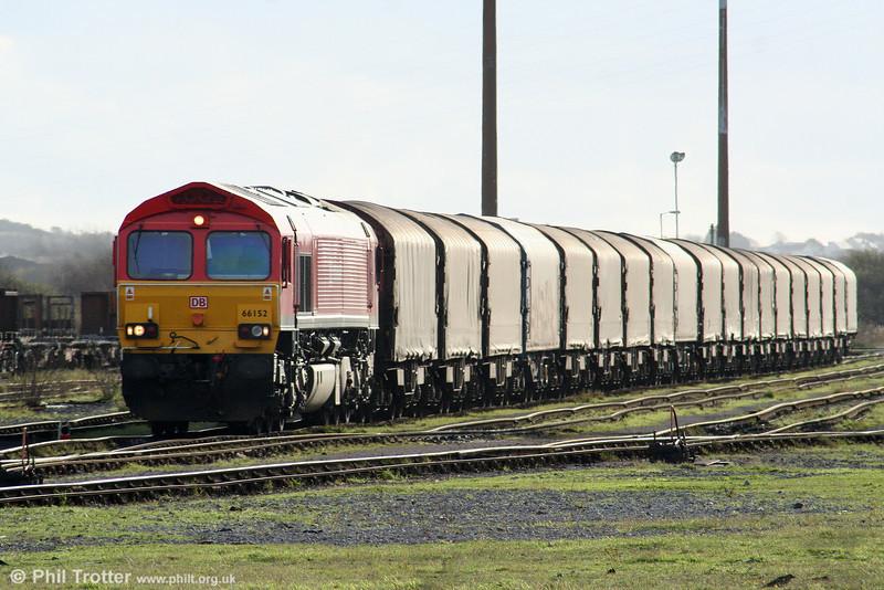 66152 at Margam, Knuckle Yard having arrived with 6V78, 0459 Wembley to Margam on 28th November 2009.
