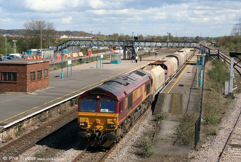 66075 passes Severn Tunnel Junction with 6B35, 1015 Hayes to Moreton on Lugg on 7th April 2009.