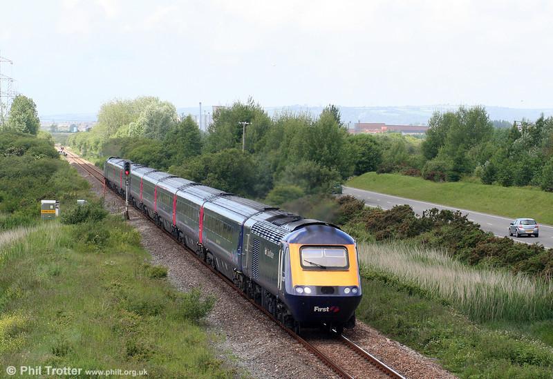 43143 'Stroud 700' leads the 1002 Pembroke Dock to London Paddington through Loughor on 13th June 2009.