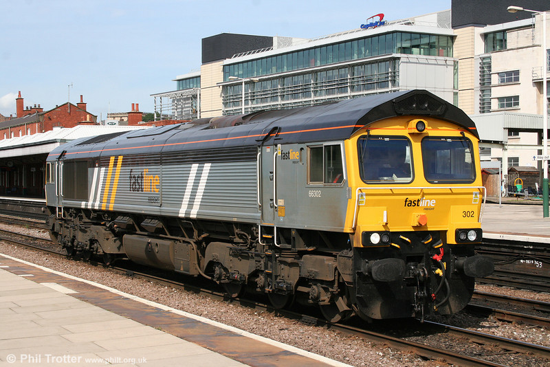 Fastline 66302 waits at Nottingham, ready to run onto Eastcroft stabling point for fuel on 6th August 2009.