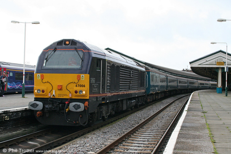67006 'Royal Sovereign' ready to shunt the stock from Swansea's Platform 2 to Platform 1 on 25th October 2009.