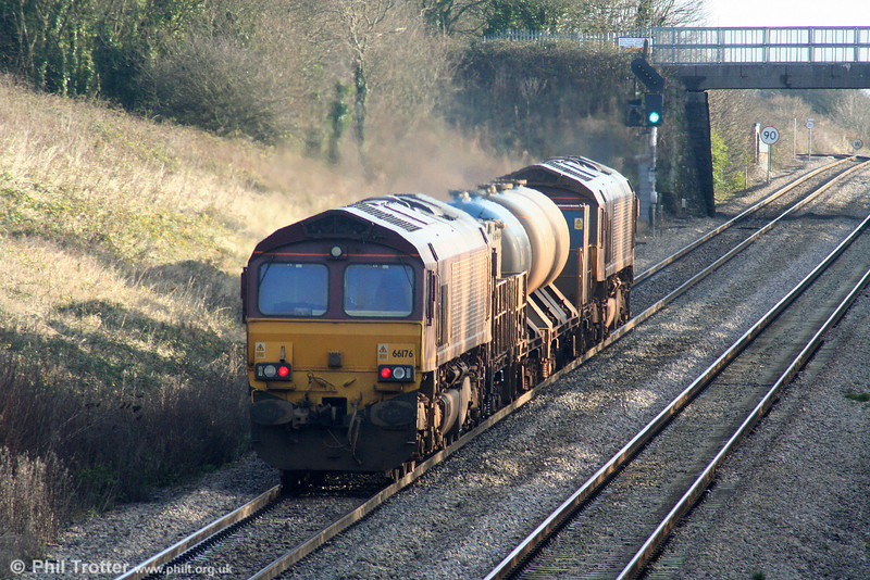 66176 brings up the rear of RHTT 3S61 on Stormy Bank on 28th November 2009.