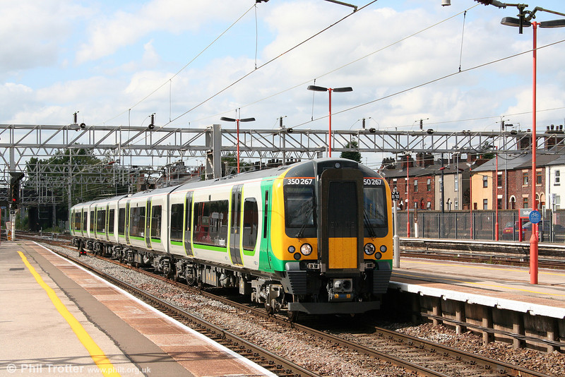 350267 is the last of LM's 350/2s and had been delivered in late July 2009. Having seen barely a week in traffic, the unit is pictured at Stafford on 5th August 2009 while working the 1634 Liverpool Lime Street to Birmingham New Street