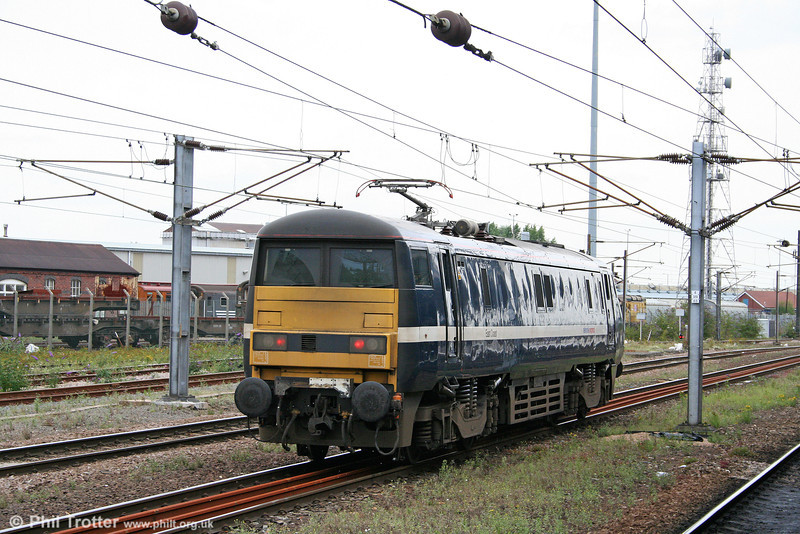 91108 from the blunt end; at Doncaster West Yard on 6th August 2009.