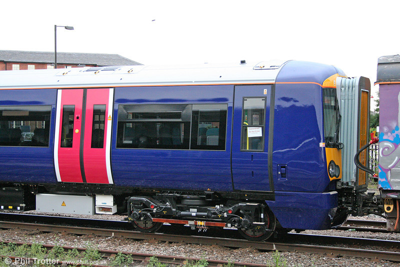 Straight out of the factory: A closer look at brand new FCC 377506 at Derby on 3rd August 2009.