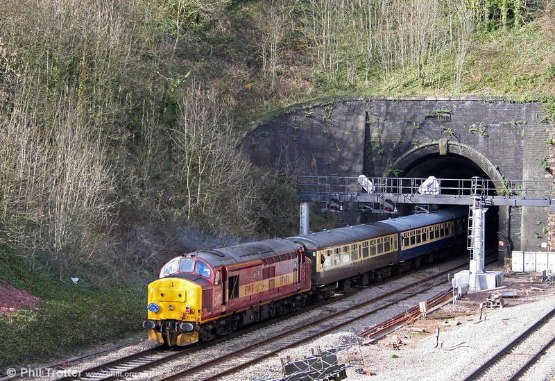 37401 is about to disappear into Hillfield Tunnel at the rear of 1Z60, the 1515 Machen to Newport section of the 'Cwm and Go' railtour of 28th March 2009.