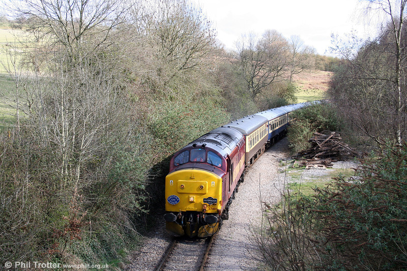 Good to see a '37' back in South Wales, albeit briefly; 37401 approaches Church Road, Machen on the former Brecon and Merthyr line with Pathfinder Tours 1Z37, 0532 Nottingham to Machen, 'The Cwm and Go' on 28th March 2009.