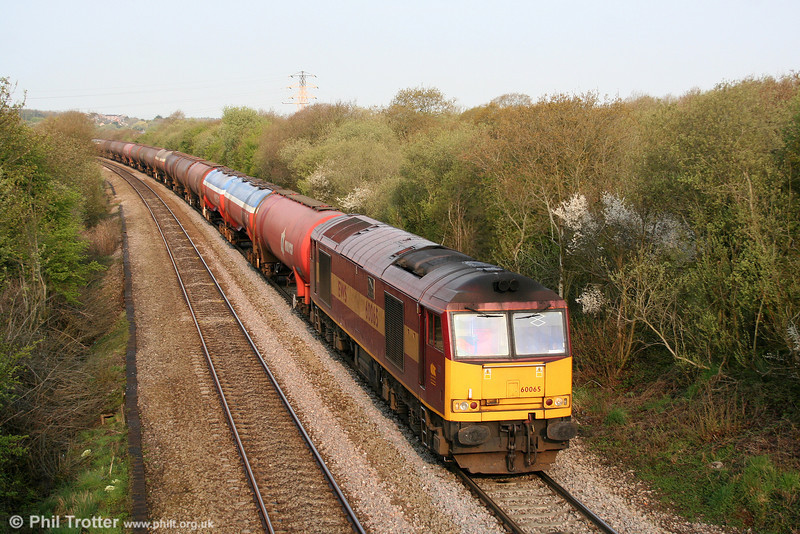 60065 'Spirit of Jaguar' climbs Stormy with 6B13, 0510 Robeston to Westerleigh on 18th April 2009.