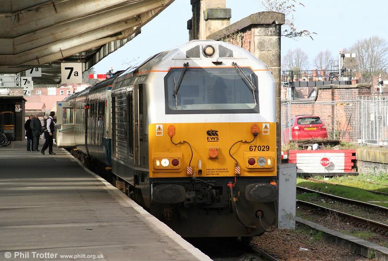 'Royal' class 67 no. 67029 'Royal Diamond' waits at Shrewsbury with 1P13, 1220 Wrexham General to London Marylebone on 14th March 2009.