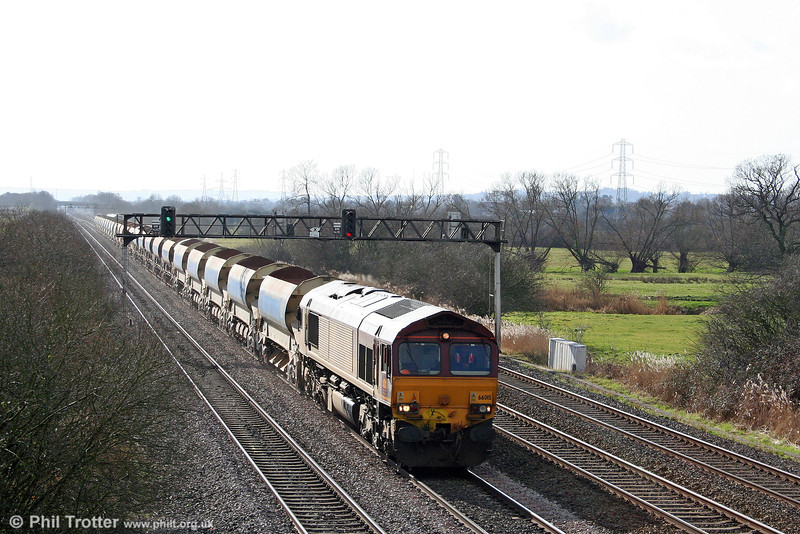 66015 is seen at Coedkernew with 6W08, 1300 Leckwith North Junction to Newport ADJ on 1st March 2009.