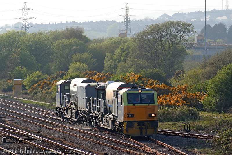 Continuing its tour of south Wales, MPV DR98912/62 tackles the weeds at Llandeilo Junction, working 1524 Fishguard Harbour to Swansea on 20th April 2009.