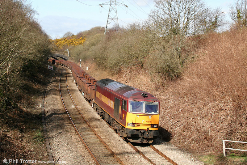 One could easily forget that the 60s are an 'endangered species', such has been the recent level of activity in South Wales by the remaining active members of the class. 60010 is seen at Llansamlet with the diverted 6B61, 1105 Trostre to Margam empties on 15th March 2009. A second 'Tug', 60031 was at the rear of the train.