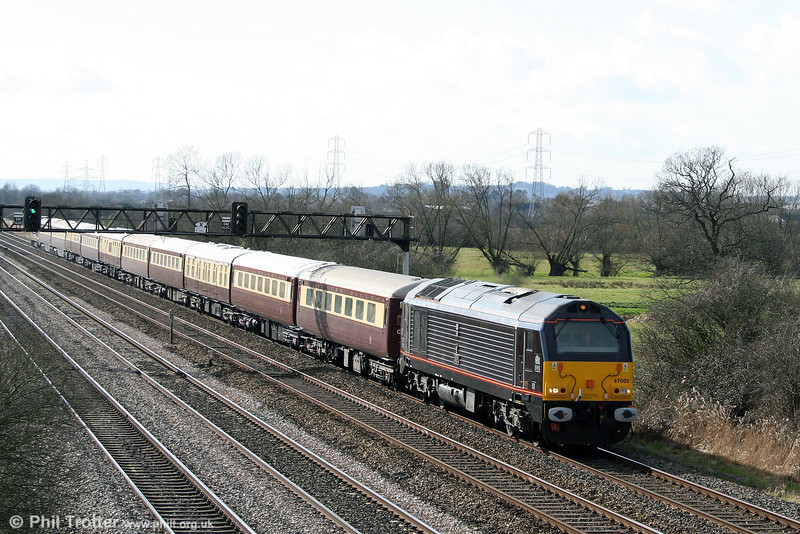 67005 'Queen's Messenger' heads 1Z67, 'The Northern Belle' 1200 Swansea to Shrewsbury, 'St. David's Day Lunch' at Coedkernew on 1st March 2009.