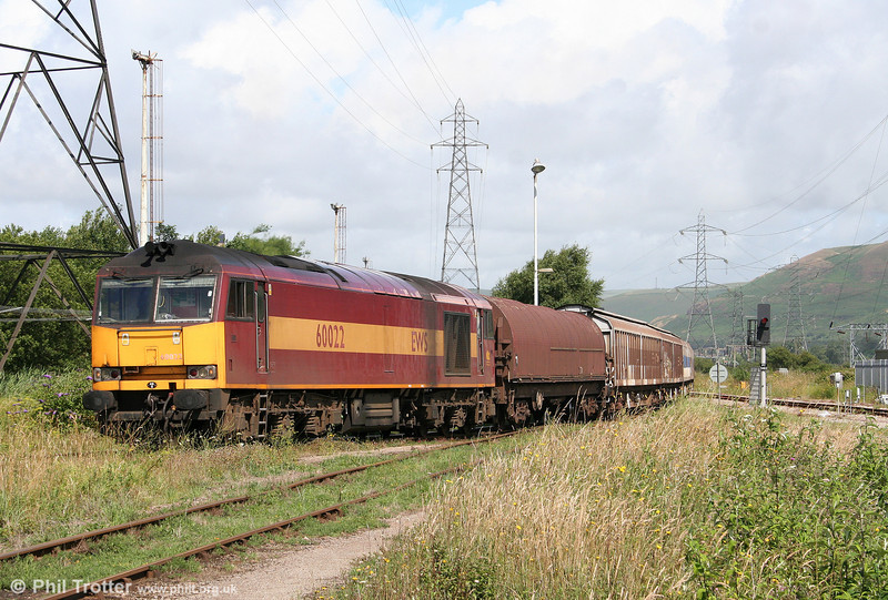 60022 pulls into Margam Knuckle Yard with 6B61, 1105 Trostre to Margam on 12th July 2009.