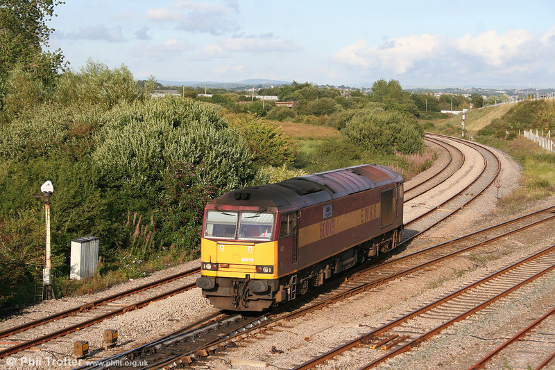 Class 60s seem set to make an autumn comeback, with the operational fleet back up to thirteen at the time of writing. 60019 'Pathfinder Tours' ambles through Llandeilo Junction, running as 0B07, 1800 Margam to Robeston on 17th August 2009.
