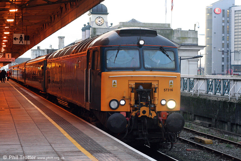 57316 waits to leave Cardiff Central with 1W91, 1617 to Holyhead, 'Y Gerallt Gymro' on 7th January 2009.