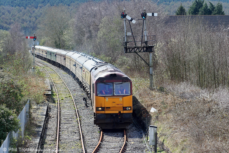 60024 is seen at Tondu with Pathfinder's 1Z37, 0532 Nottingham to Machen on 28th March 2009.